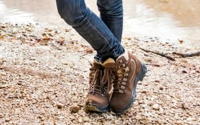 traveling footwear,women footwear,traveling fashion tips,fashion tips