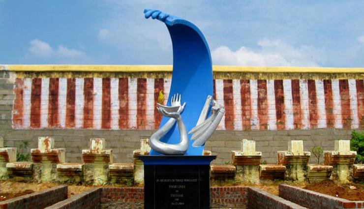 kanyakumari,trip to kanyakumari,offbeat places in kanyakumari,thanumalayan temple,padmanabhapuram palace,thirparappu falls,sothavilai beach,tsunami monument,travel,tourism,travel tips
