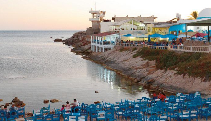 romantic places to eat ocean side,beach restaurants to visit in tunisia,tunisia,restaurants,restaurant sidi ali,el kastil,cafe sidi salem la grotte,bocca beach,le pirate