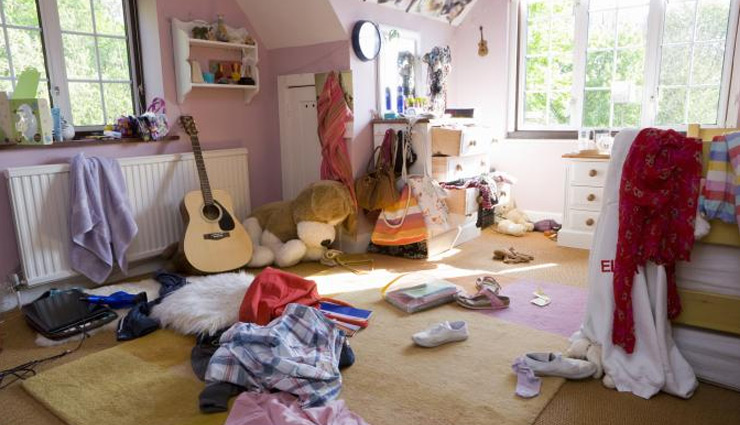 6 Unlucky Objects You Should Not Keep in House