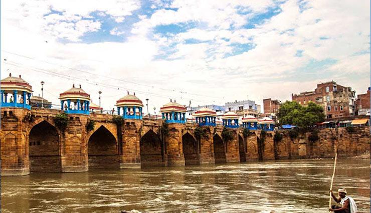 tourist places of uttar pradesh,tourism uttar pradesh,major attractions in uttar pradesh,travel,holidays ,ट्रेवल, टूरिज्म, हॉलीडेज, उत्तर प्रदेश, जानें उत्तरप्रदेश के पर्यटन स्थलों के बारे में