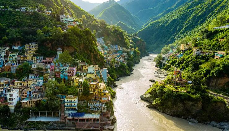 दिलकश नजारों का दीदार कराएंगे उत्तराखंड के पहाड़ों में बसे ये 10 बेहद खूबसूरत जगहें