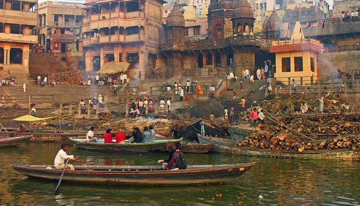 वाराणसी : UP का प्रमुख धार्मिक नगर, मंदिर और घाट हैं आकर्षण, इन स्थानों पर भी लें घूमने का आनंद
