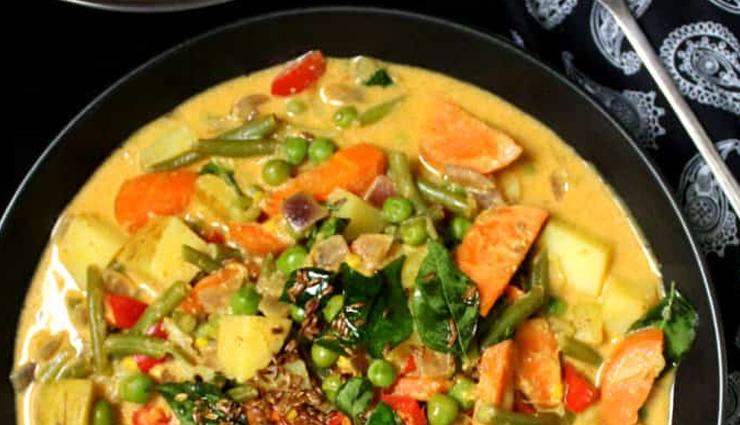 vegetable korma,korma recipe,snacks recipe,main course recipe