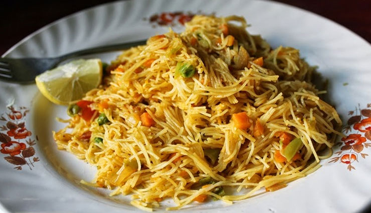 Hungry At Night? Try Vermicelli Masala Noodles