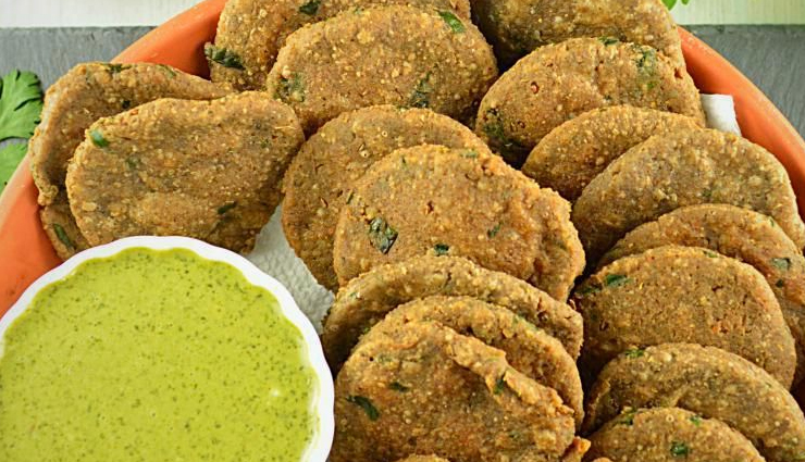 Navratri Recipe- Bite Sized Crispy and Crunchy Vrat ki Papdi