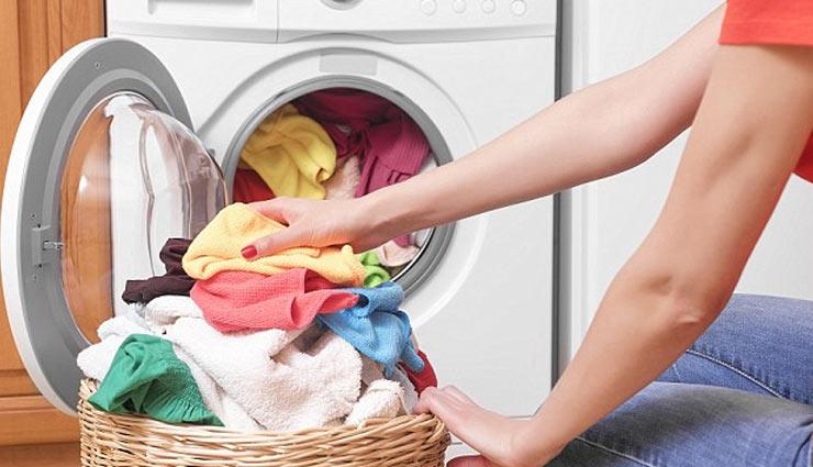 कहीं आपकी वाशिंग मशीन बिगाड़ तो नहीं रही कपड़ों की क्वालिटी, दे इन बातों पर ध्यान