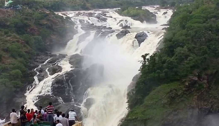 5 Breathtaking Waterfalls To Visit Near Bangalore
