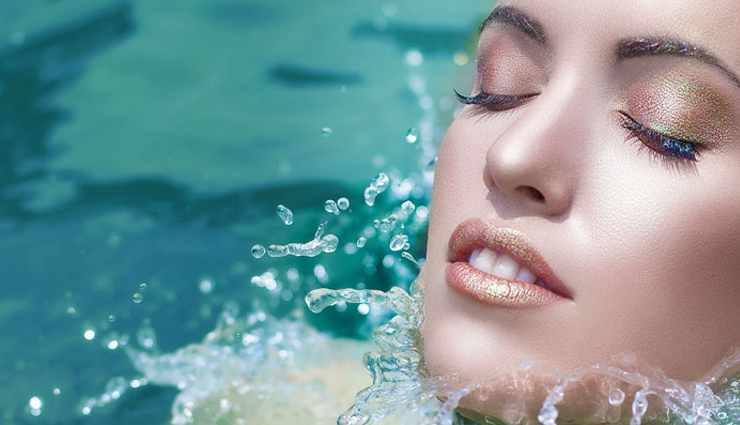 7 Tips To Do Waterproof Makeup at Home