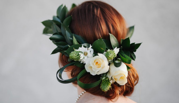 8 Flowers That You Can Wear in Hair