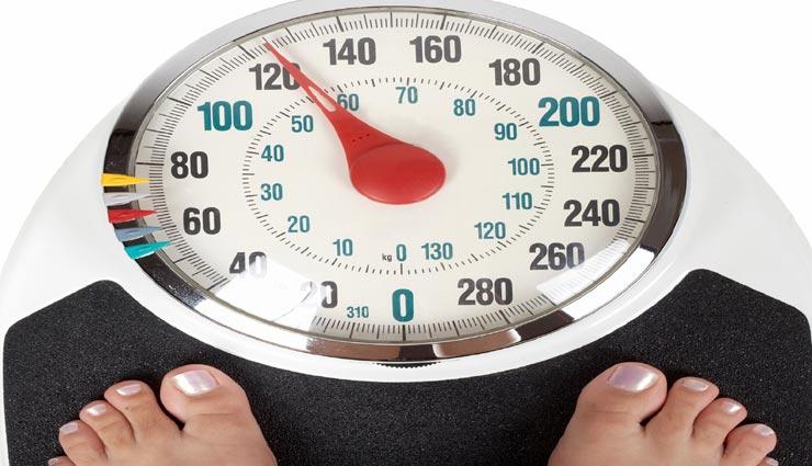 इन घरेलू नुस्खों से रोकें अपना बढ़ता वजन, बनता है कई बिमारियों की वजह