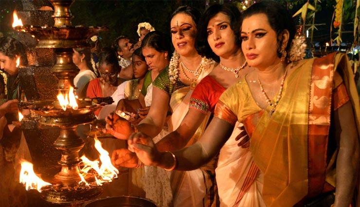 weird temple,men dress up as women to offer prayers,chamayavilakku,kottankulangara chamayavilakku
