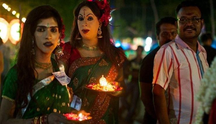 Weird Temple Where Thousands of Men Dress Up as Women To offer Prayers
