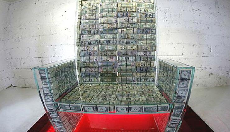 एक लाख डॉलर के नोट से बनाया गया अनोखा सिंघासन, मकसद ऐसा जो हैरान कर दे