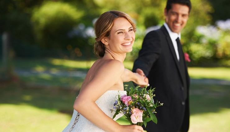पति से ये 7 बातें शेयर करने से कतराती है पत्नियाँ, वजह बनती है रिश्ते के टूटने की फिक्र