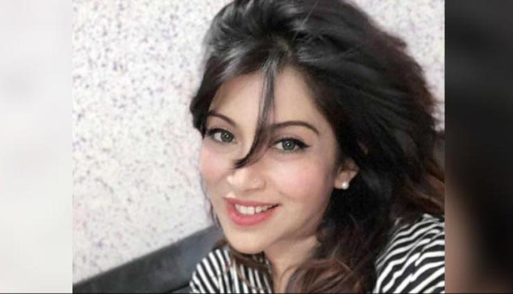 दिल्ली : महिला पत्रकार पर बदमाशों ने चलाई गोली, कार पर अंडे भी फेंके