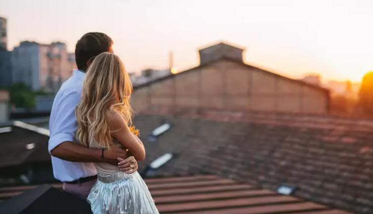 बॉयफ्रेंड से दूरियों की वजह बनती हैं गर्लफ्रेंड की ये आदतें