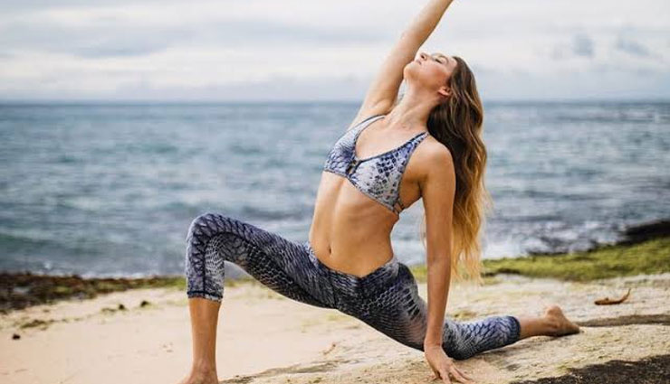 5 Yoga Poses For Better Metabolism
