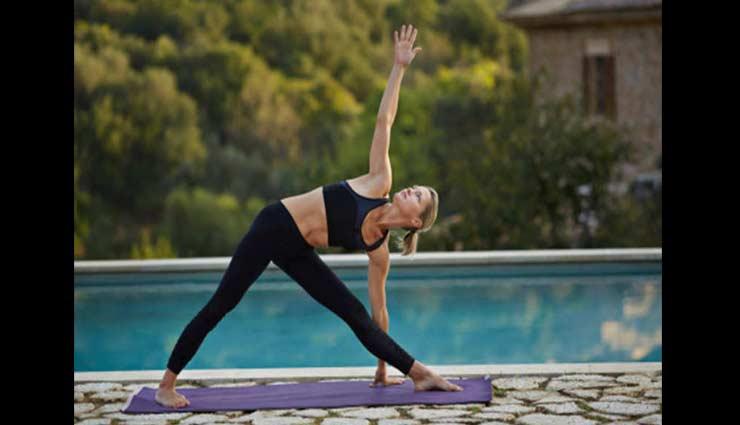yoga asanas,yoga asanas for better intimacy life,intimacy tips