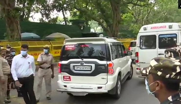 UP में सियासी हलचल के बीच दिल्ली में CM योगी, अमित शाह से मिले; कल PM मोदी से मिलेंगे