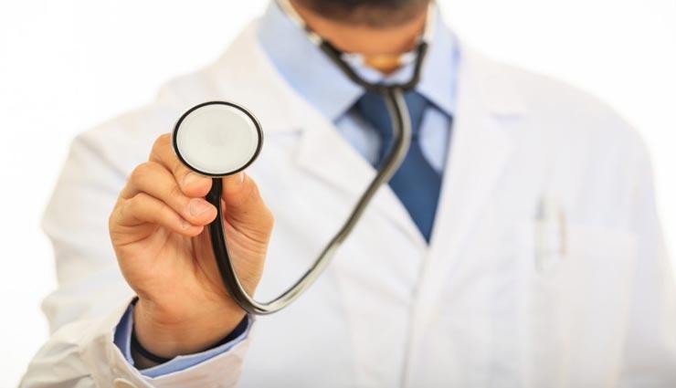 WHO की रिपोर्ट के अनुसार देश में 57% डॉक्टर्स फर्जी!!, सरकार ने भी माना