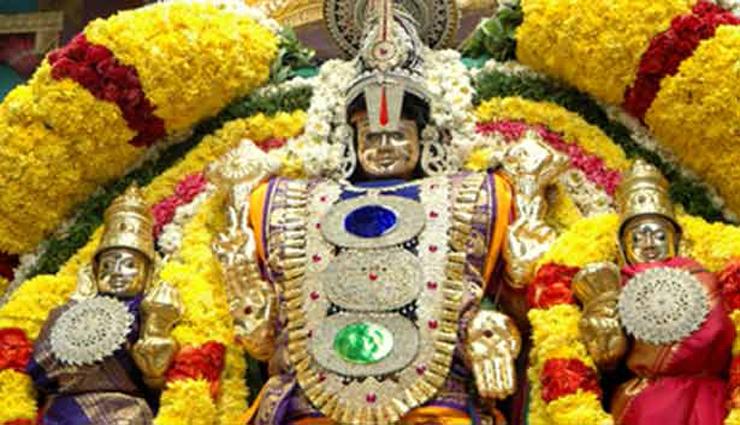 நவராத்திரி 6ம் நாளில் புஷ்பக விமானத்தில் பெருமாள் எழுந்தருளல்
