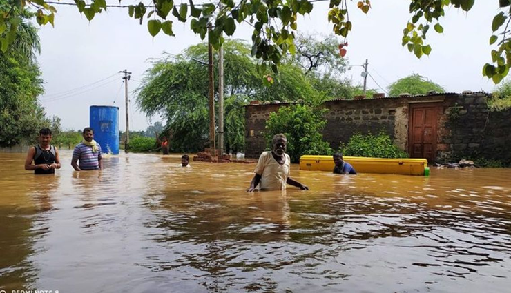 relief camps,karnataka,flood,dinesh kundurao ,நிவாரண முகாம்கள், கர்நாடகா, வெள்ளம், தினேஷ் குண்டுராவ்