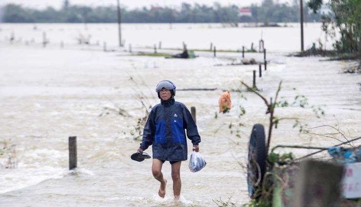heavy rains,vietnam,111 dead,natural disasters ,பலத்த மழை, வியட்நாம், 111 பேர் இறப்பு, இயற்கை பேரழிவுகள்