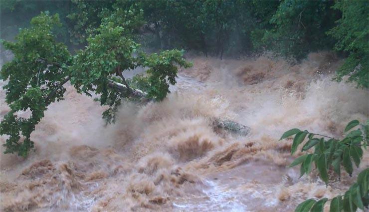 wild floods,heavy rains,floods,dams,motorcycles ,காட்டாற்று வெள்ளம்,கனமழை,வெள்ளம்,அணை,மோட்டார் சைக்கிள்