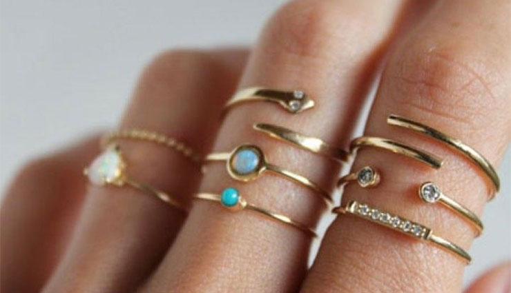 the,beauty,ring,is worn on,the fingers ,చేతికి, అందాన్నిచ్చే, ఉంగరము, చేతి, వేళ్ళకు పెట్టుకుంటారు